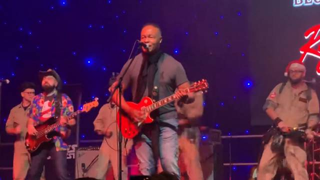 Watch Ray Parker Jr. perform 'Ghostbusters' at Manchester Sci-Fi convention