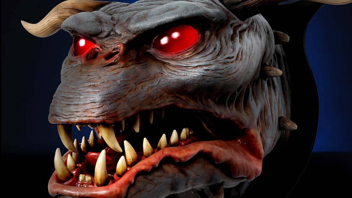 1:1 Terror Dog Mount with LED Eyes