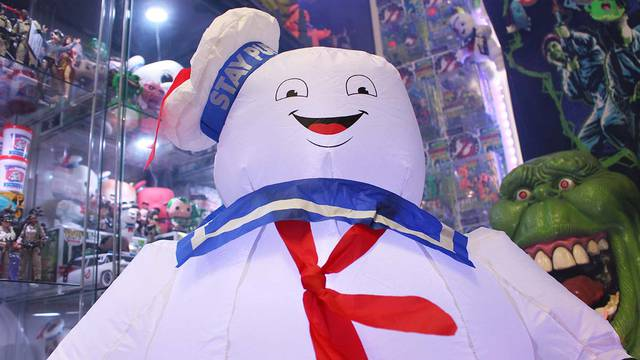 3.5′ Ghostbusters Stay Puft Marshmallow Man inflatable! (unboxing + review)