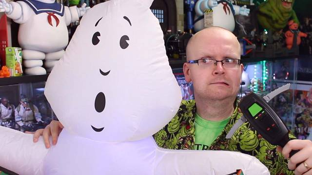 Budget-priced Ghostbusters PKE Meter + Bootleg No-Ghost Inflatable!