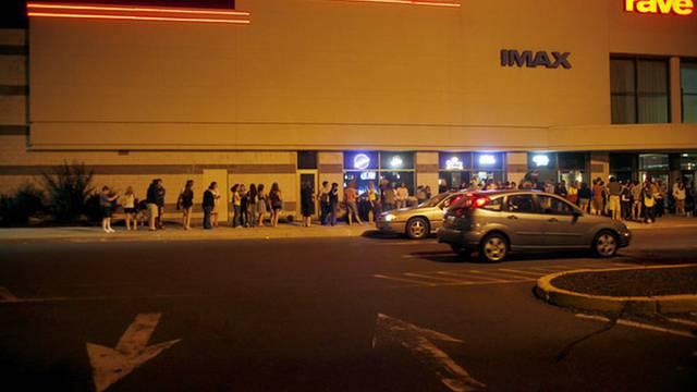 Cinemark Buckland Hills reopening, first of state's major chain cineplexes - Hartford Courant