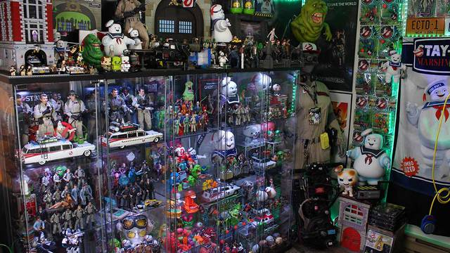 Epic Ghostbusters room tour!