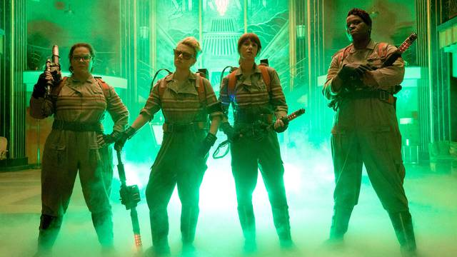 'Ghostbusters' 2016 director Paul Feig responds to new 'Ghostbusters' sequel - NME Live
