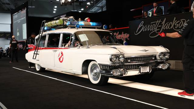 Ghostbusters Ecto-1 re-creation sales for $200,000!