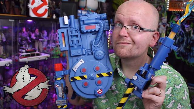 Hasbro's NEW Ghostbusters Proton Pack + Proton Blaster (unboxing + review)
