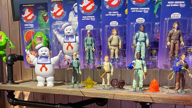 It looks like Hasbro's bringing back the classic Ghostbusters Kenner toyline + sneak peek at deluxe movie line!