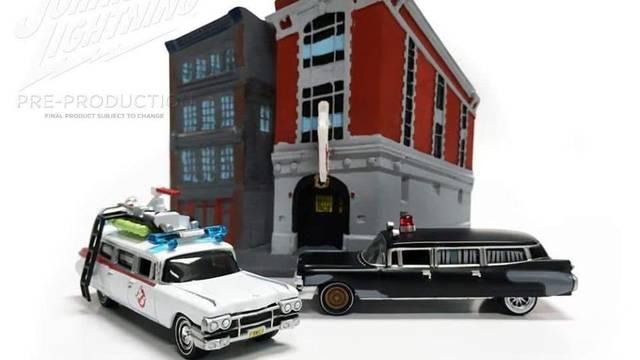 Johnny Lightning bringt neue Ecto-1-Minis