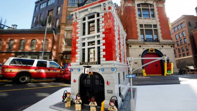 Lego Ghostbusters Firehouse now on sale! Order now + set being discontinued soon!