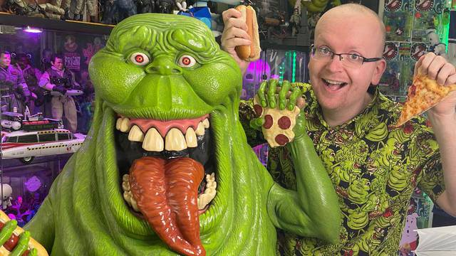 Life-size Ghostbusters Slimer statue (REVIEW)