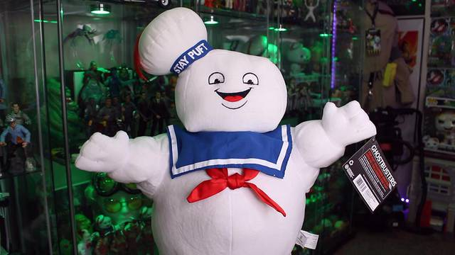 MASSIVE 24″ STAY PUFT MARSHMALLOW MAN PLUSH! (Ghostbusters News Halloween Countdown)