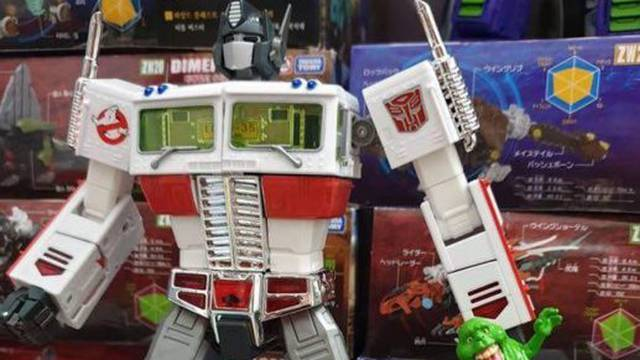 New action figure gives Transformer's Optimus Prime a Ghostbusters themed makeover