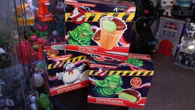 New Ghostbusters treats taste test! SLIME PIES + CHOCOLATE COVERED MALLOWS!