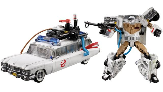 NEW YORK TOY FAIR: Ghostbusters and Transformers team up for officially licensed mashup figure!