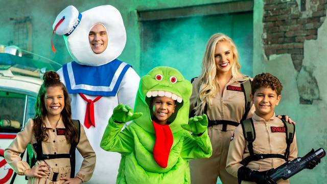 One day sale! Save 20% off all Ghostbusters costumes and collectibles!