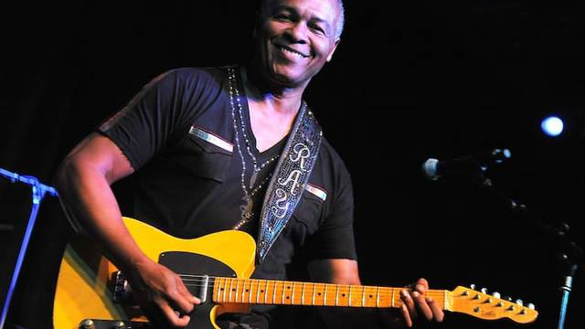 Ray Parker Jr. Strums for Fans at Westin Mission Hills - Palm Springs Life