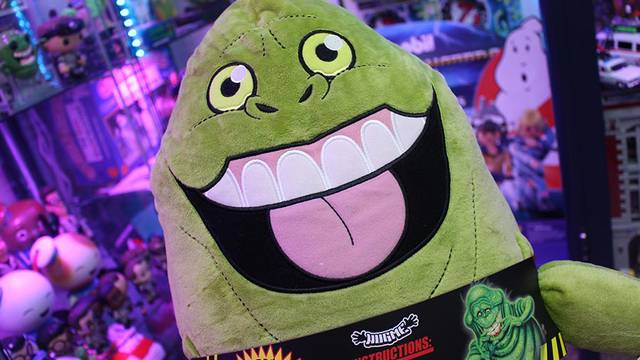 """REVIEW: Vibrating Ghostbusters Slimer """"HugMe"""" plush"""