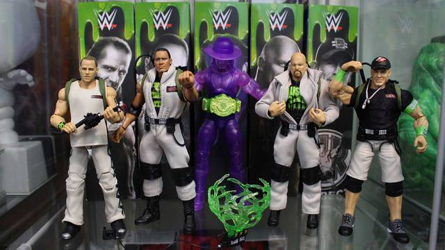 REVIEW: WWE/Ghostbusters action figures! (Halloween Countdown 2019)