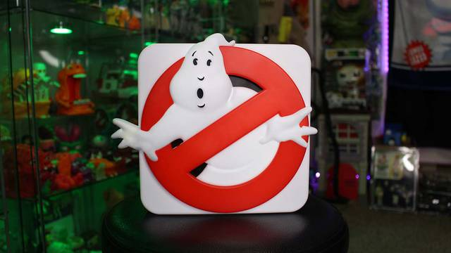 Unboxing the light-up Ghostbusters sign lamp! (Ghostbusters News Halloween Countdown)