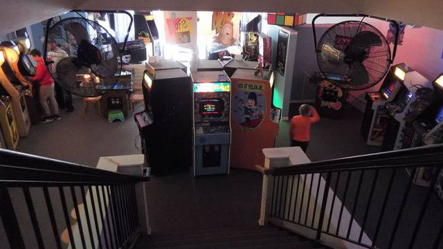 Underground Retrocade brings arcade games home - Chicago Tribune