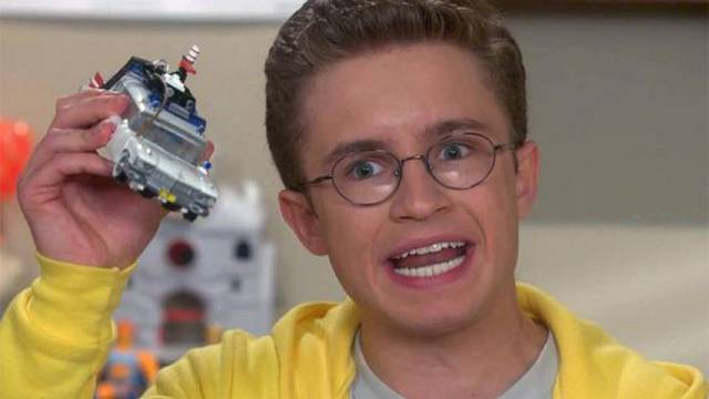 Upcoming Ghostbusters / Transformers action figure featured on ABC's The Goldbergs