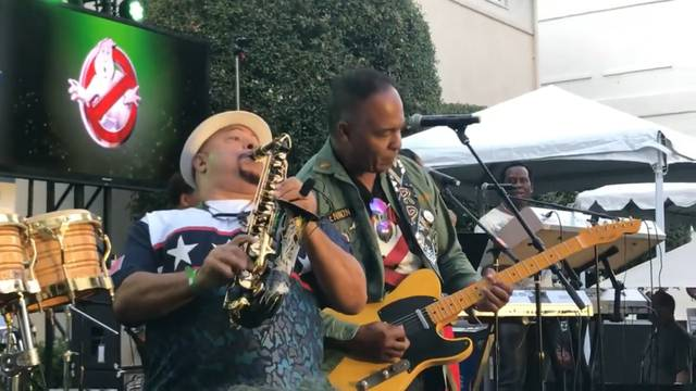 VIDEO: Ray Parker Jr performs 16 minute long version of 'Ghostbusters' live from Ghostbusters Fan Fest!