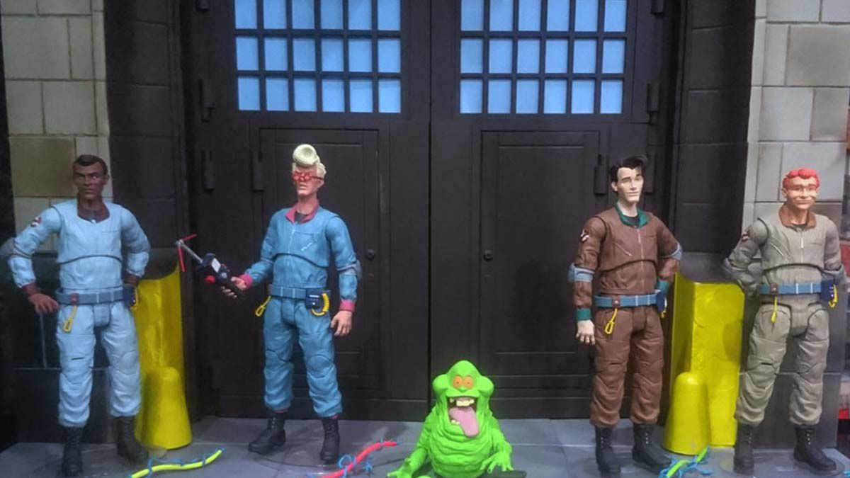 Collect and Build the Ghostbusters Firehouse with Select Series 6 - 10